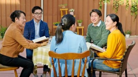 Why Christians Should Regularly Attend Meetings